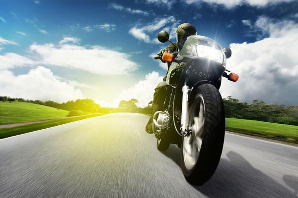 Les deux roues moto, scooter